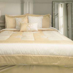 Creme/Gold Flower Bed Set